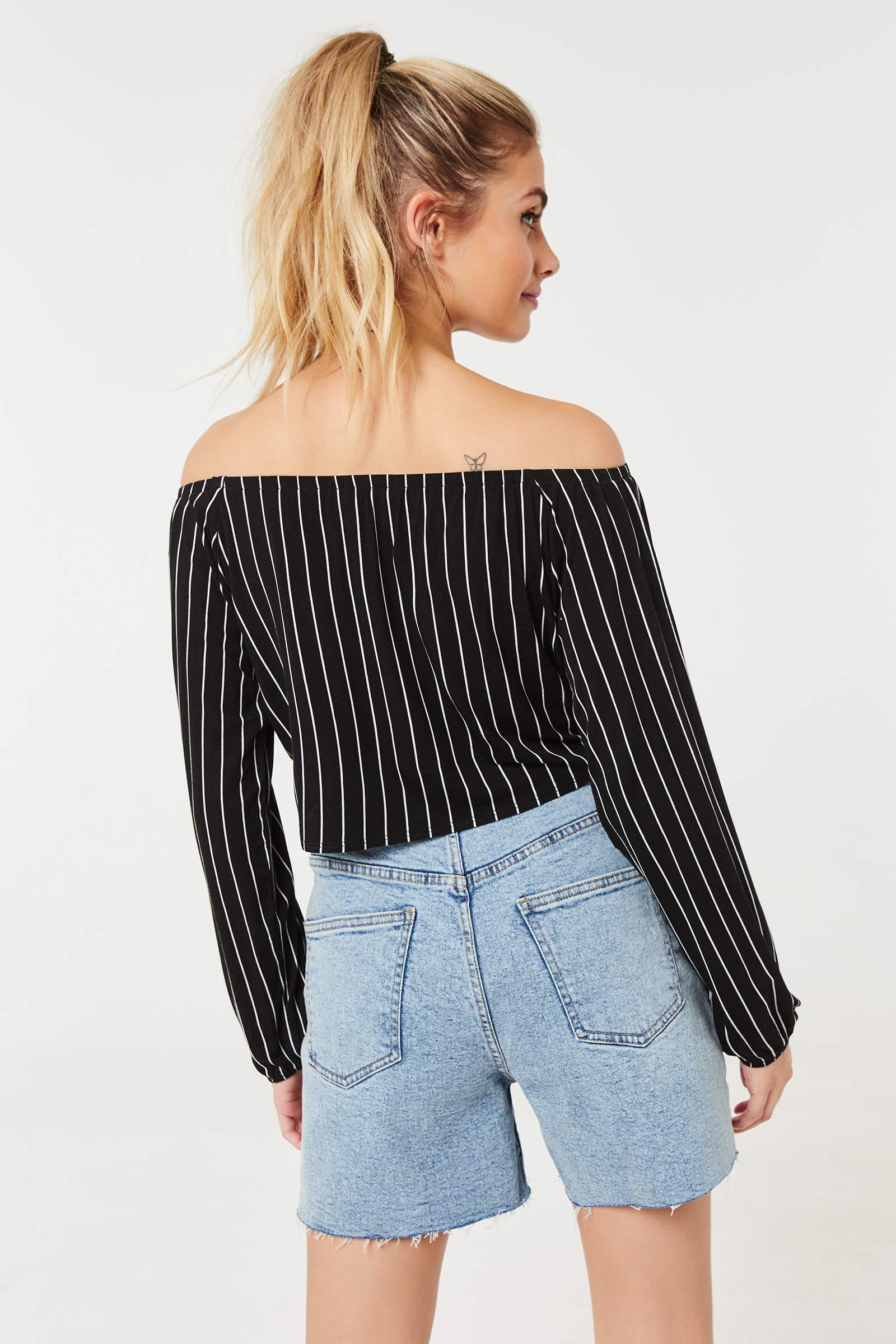 Off Shoulder Long-sleeved Top