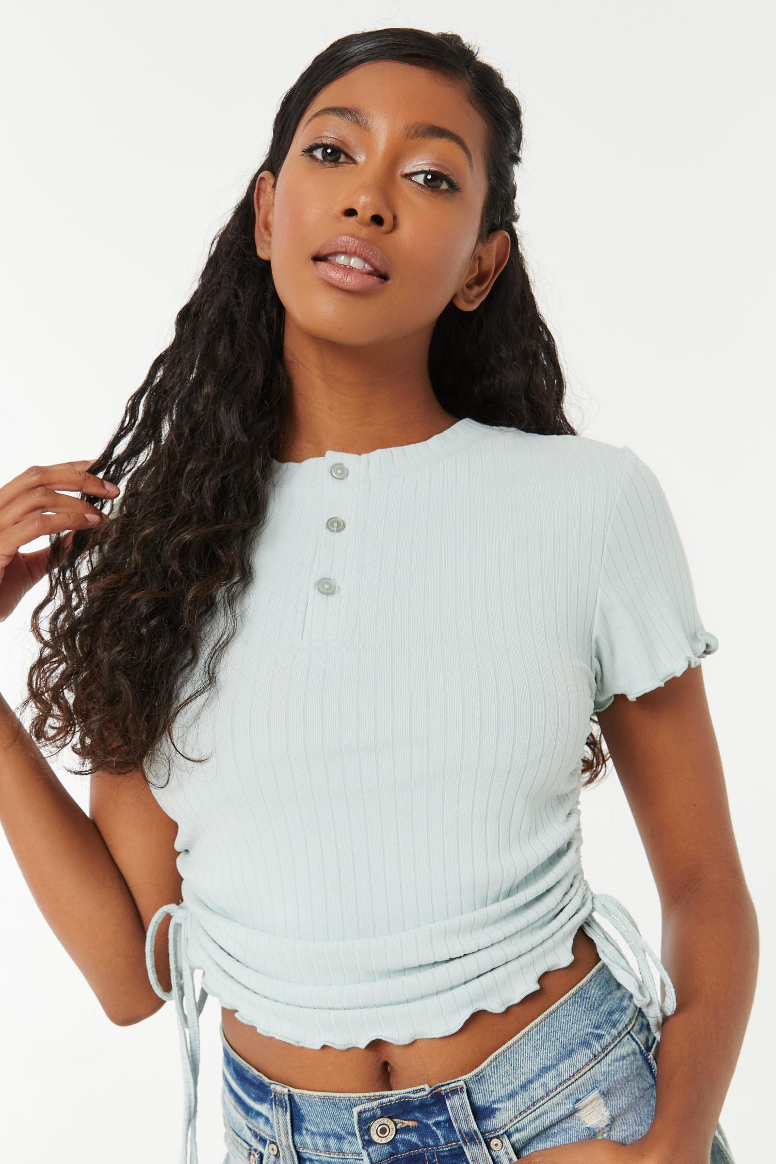 T-shirt Henley côtelé et ruché