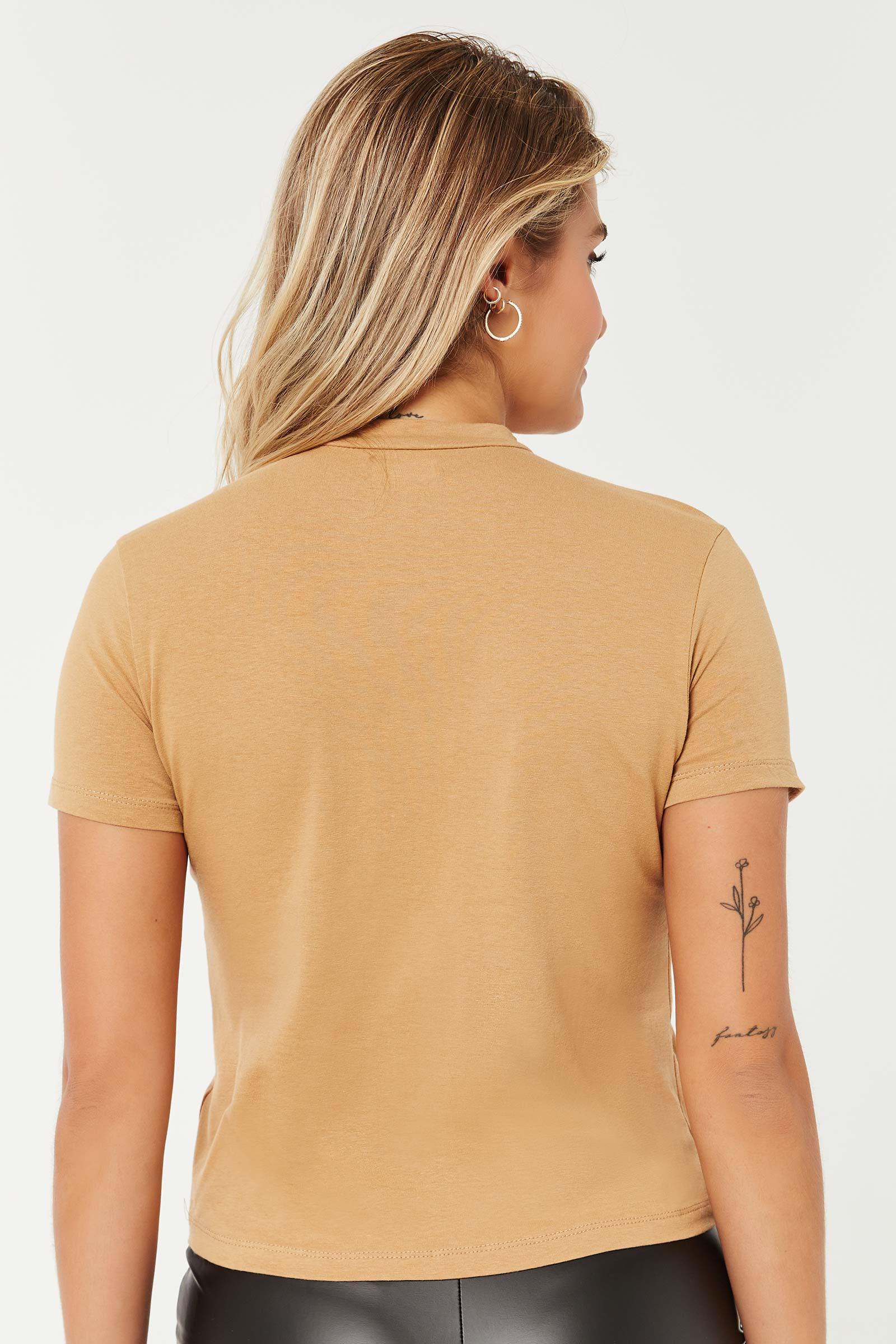 T-shirt court à col montant Basic