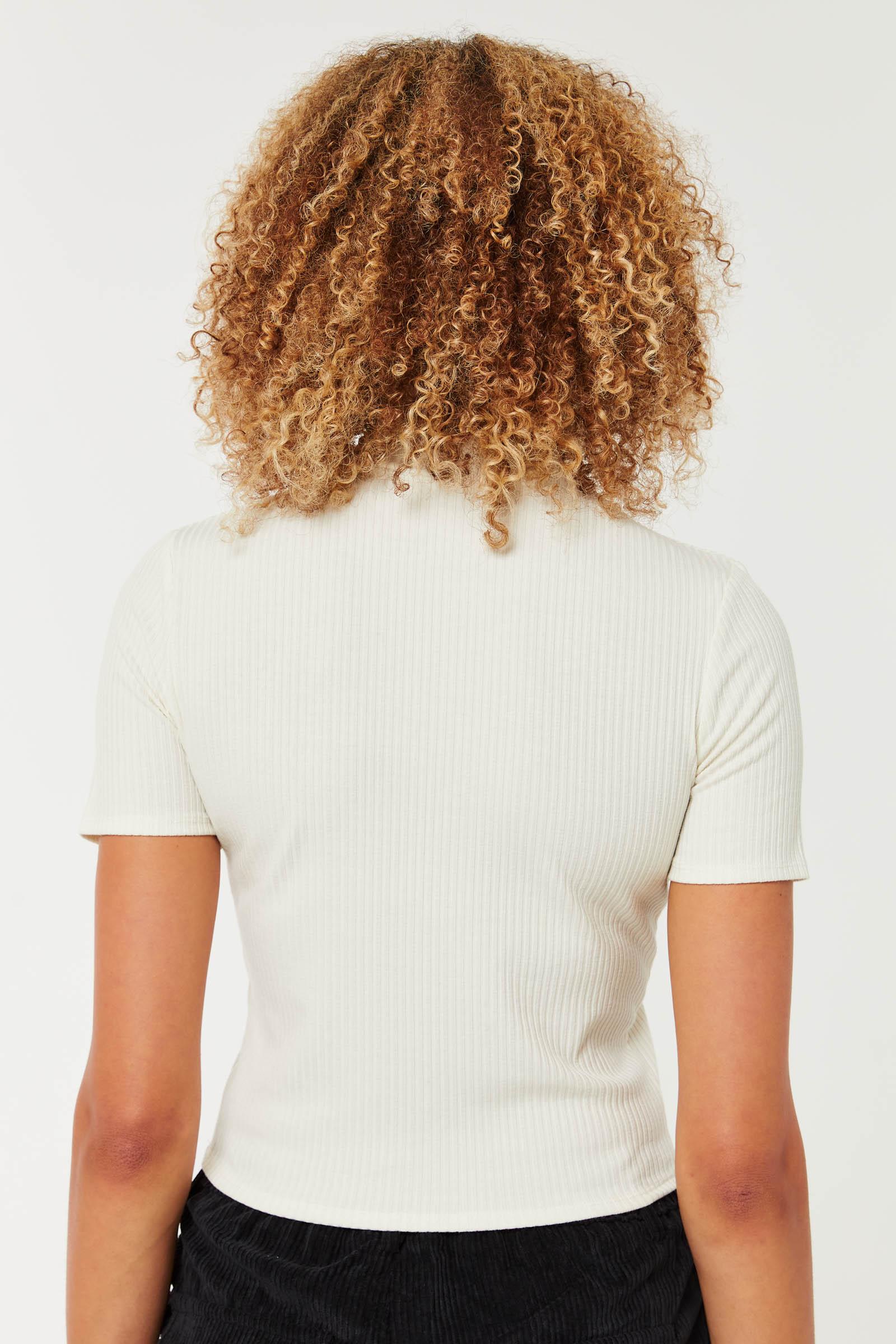 T-shirt court à col montant