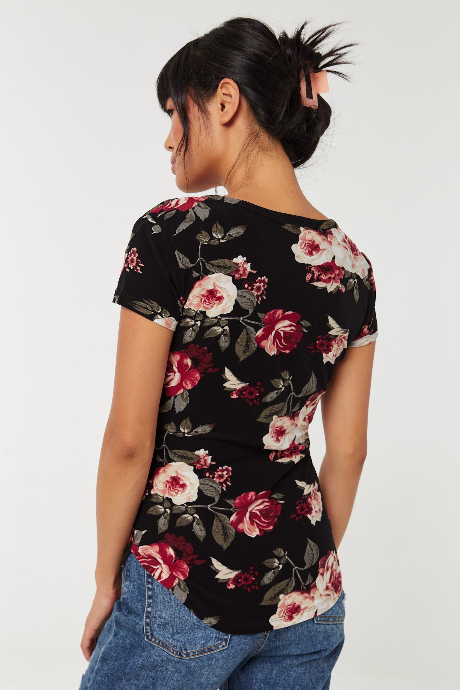 T-shirt fleuri très doux col V